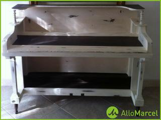 Idée déco: transformer un vieux piano en bureau