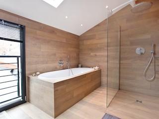 Salle de bain : la tendance bois
